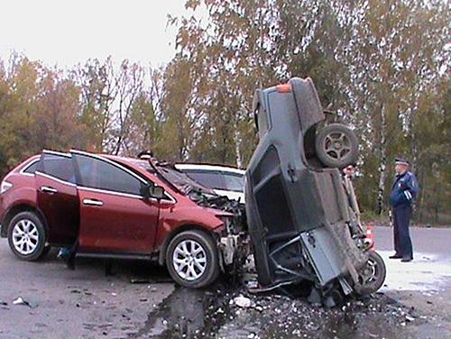 ВАЗ 2115 vs. Mazda CX7