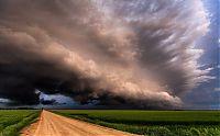 Надвигающийся шторм